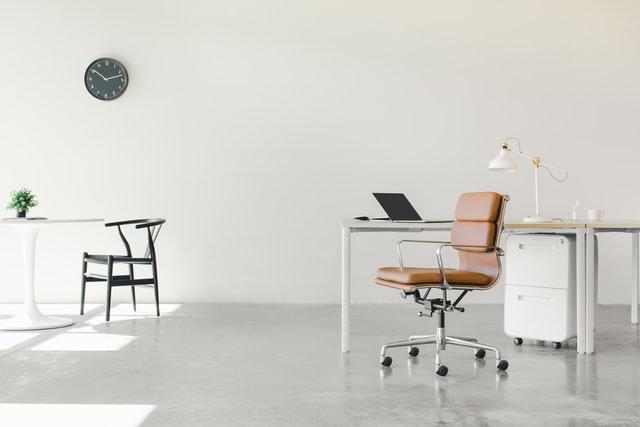 Gdzie sprzedać meble biurowe, aby szybko znaleźć kupca?